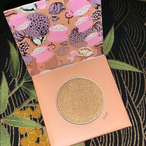 "🆕 Winky Lux ""Chai"" highlighter/eyeshadow sample"
